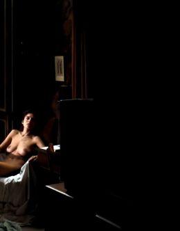 Горячие постельные сцены с Еленой в киноленте «Комната в Риме» (2010)