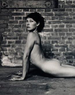Молодая Кэрис ван Хаутен на эротических фото из журналов