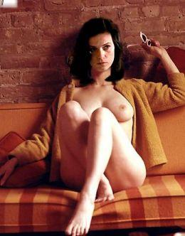 Горячие фото Линды Фиорентино (голая грудь)