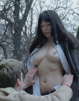 Эротические кадры с голой Леей Сейду из фильмов (18+)