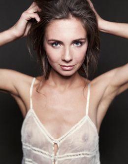Интимные фото Елены Радевич (голая грудь)