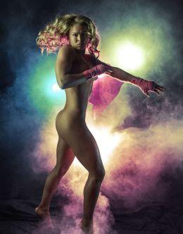 Полностью голая Ронды Роузи в горячей фотосессии