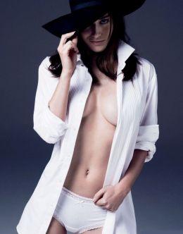 Эротические фото Лиззи Каплан из журналов