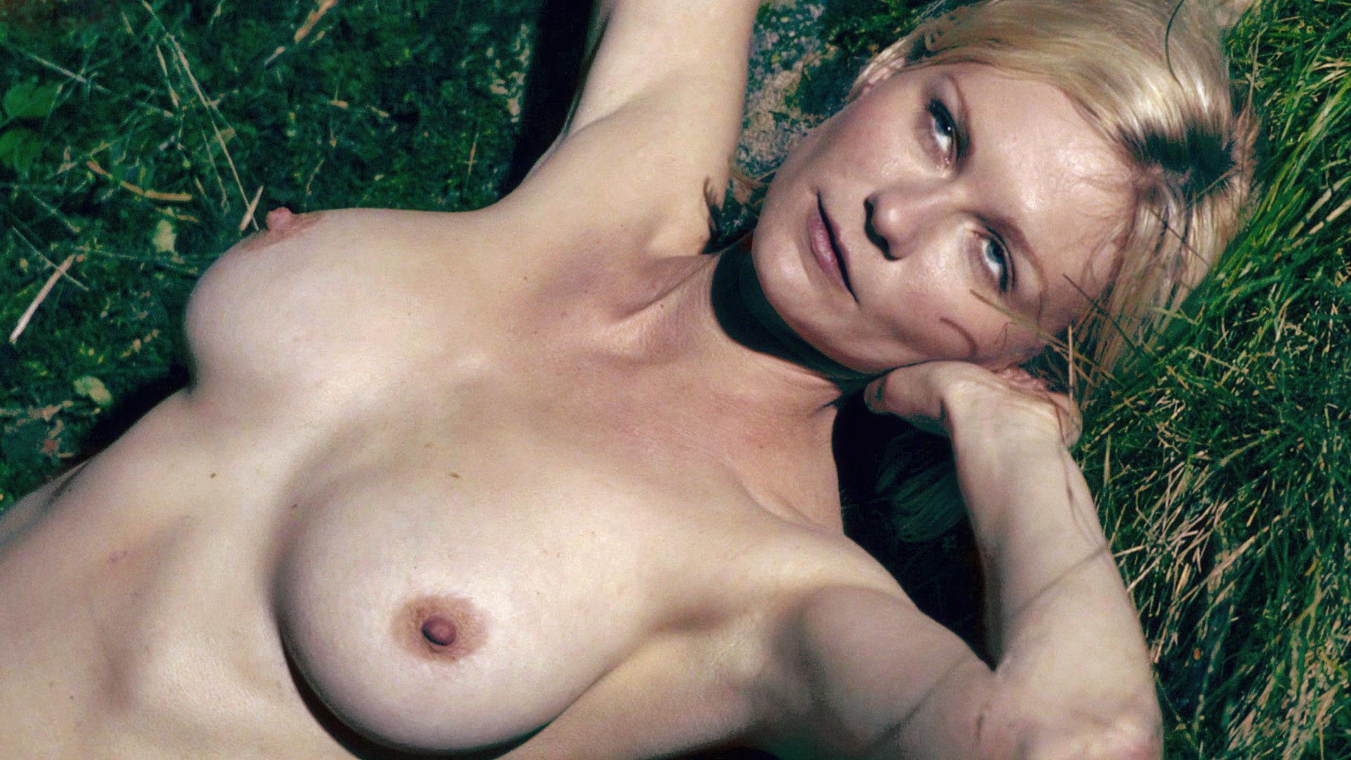 Kristen Dunst Nude