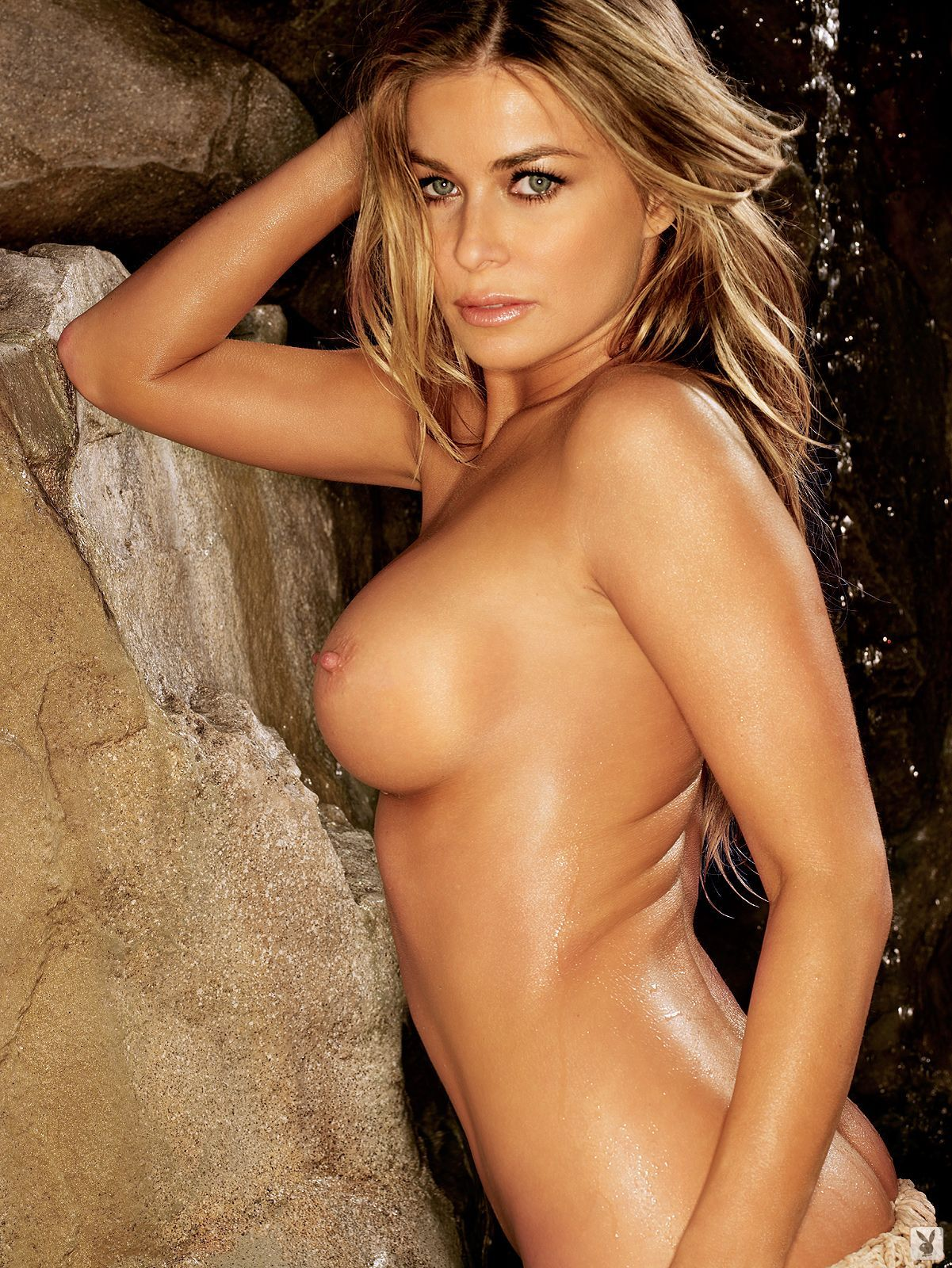 micro-celebrities-in-nude-blonde-with