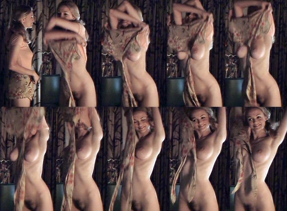 Zoe Graham Nude