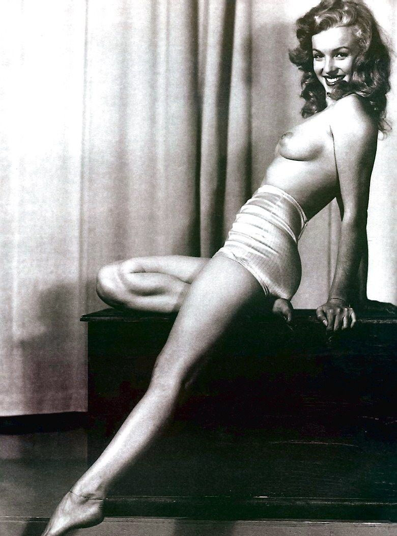 young-norma-jean-baker-naked