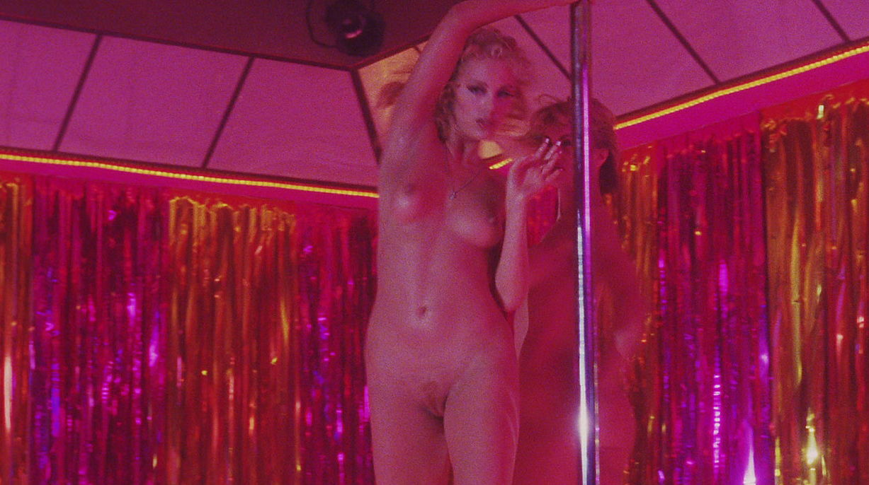 nude-women-from-showgirls-naked-full-frontal-robin-thicke