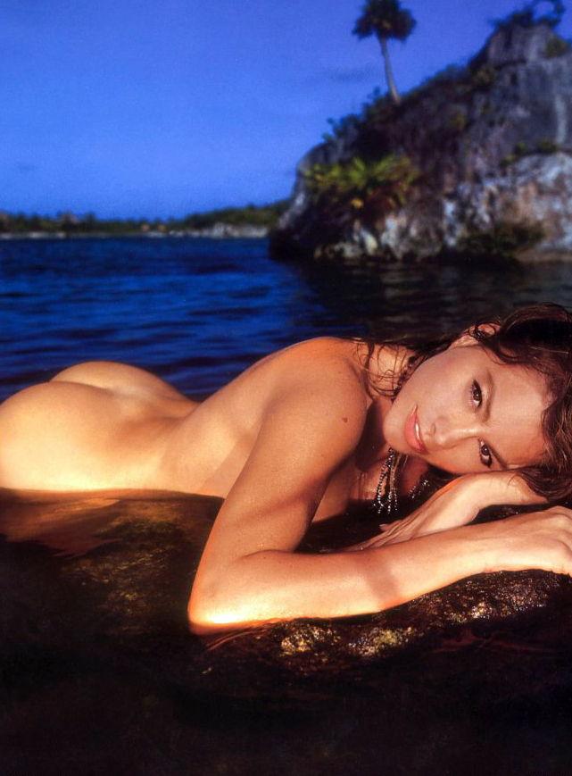 Sofia Vergara Nude Gallery