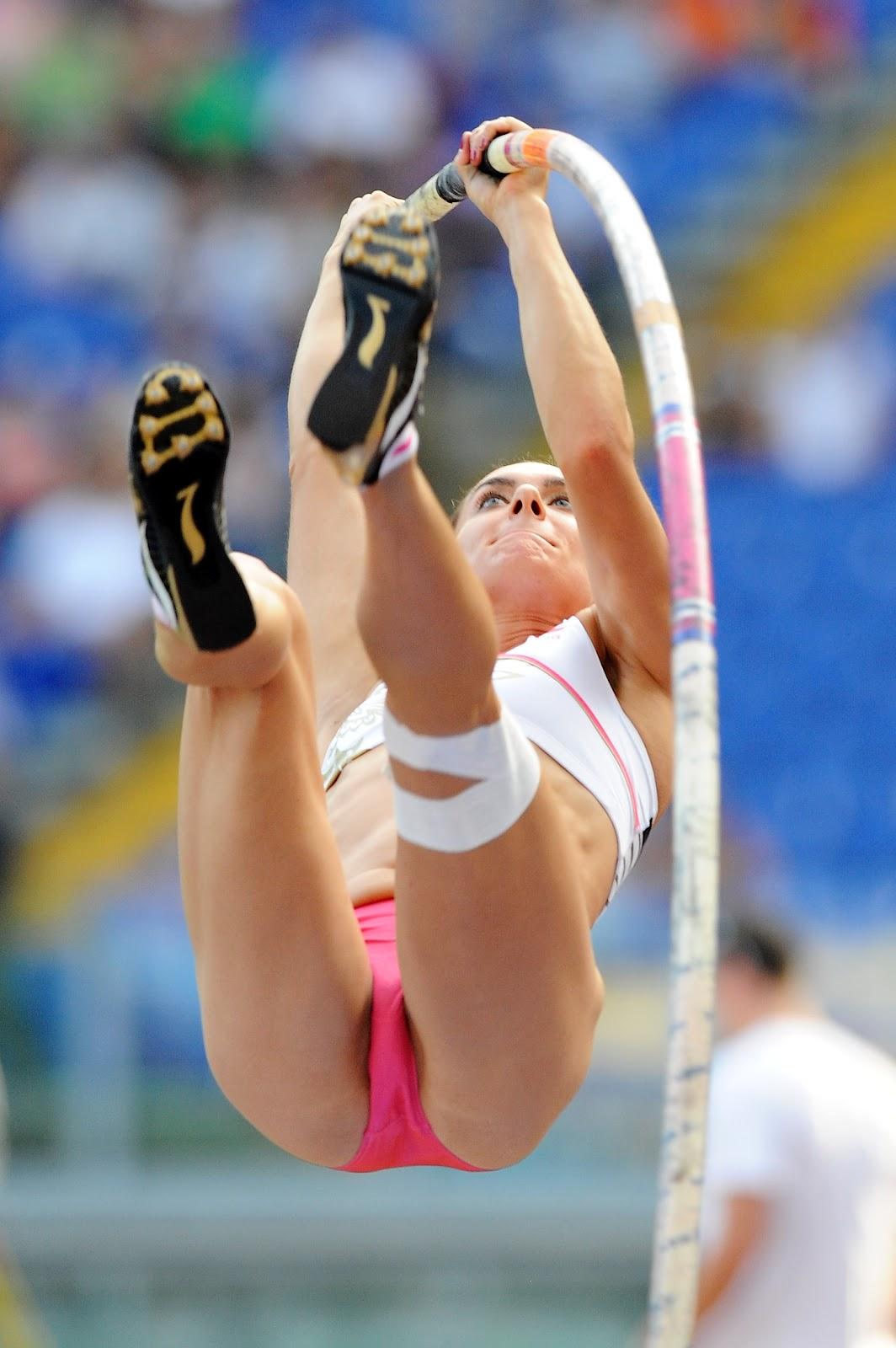 Девушек фото легкой время засветов по во у атлетике соревнований