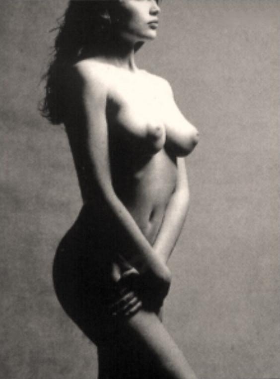 tamilnadu-house-laetitia-casta-black-and-white-naked-pics-girl-pics