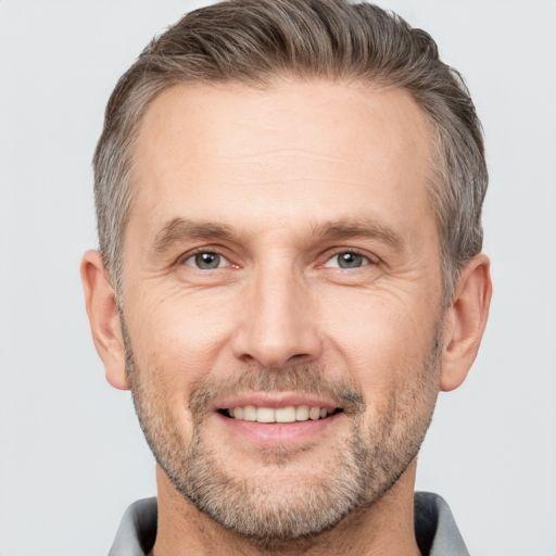 Антон Крылов